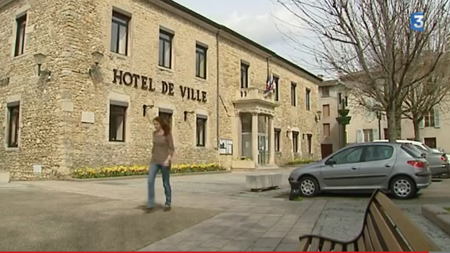amb rieu en bugey place de la mairie entre deux tours france 3 rh ne alpes. Black Bedroom Furniture Sets. Home Design Ideas
