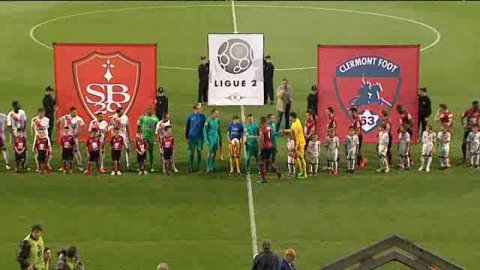 Ligue 2. Le Clermont Foot s'impose 2 à 0 face à Brest