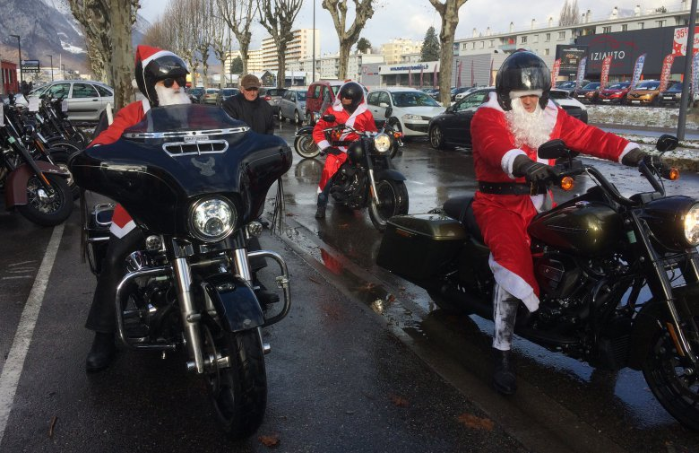La parade des pères Noël bikers / © France 3