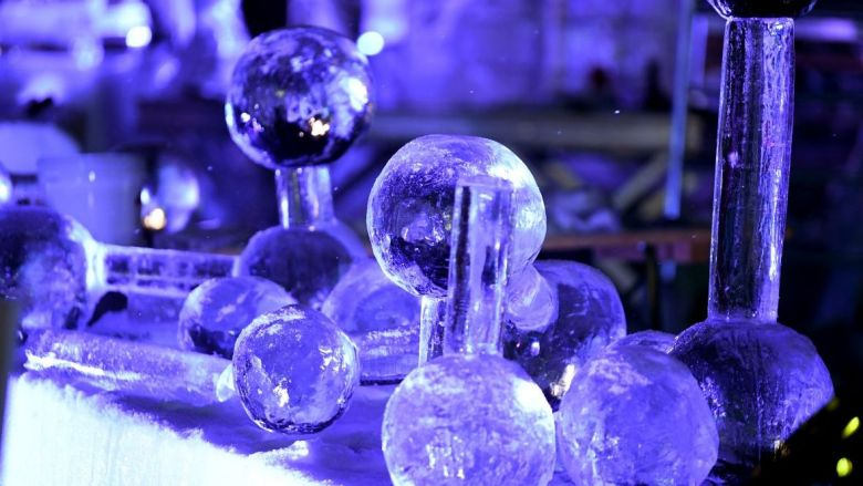 """THE MOLECULE OF ICE"" de Daria LISITSYNA - RUSSIE. / © JEAN-PIERRE CLATOT / AFP"