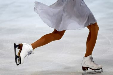 Une patineuse lors des Internationaux de France de patinage à Grenoble en 2017. / © JEAN-PIERRE CLATOT / AFP