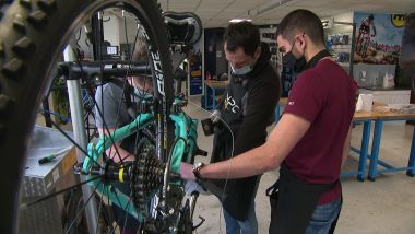 Le centre forme plus de 150 techniciens vendeurs cycle par an / © France 3 Alpes