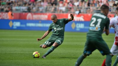 Ligue 1 : Saint Etienne s'impose (2-0) face à Reims et poursuit sa lancée vers le podium