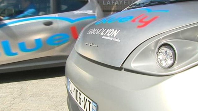 Bluely, version lyonnaise du service Autolib © France 3 RA
