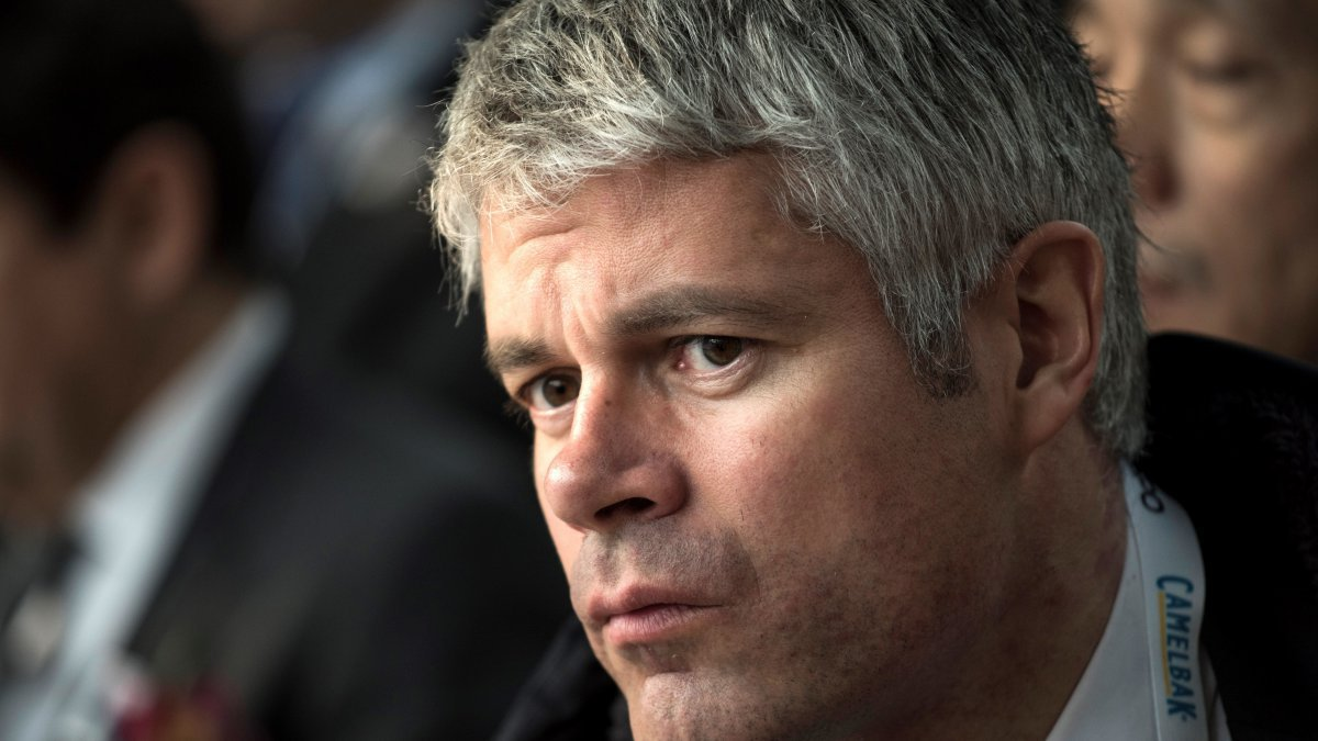 Interdite de match à cause de son voile : Laurent Wauquiez soutient la ligue régionale de football