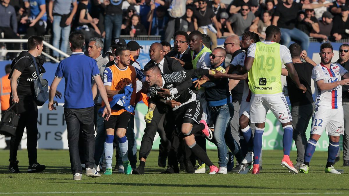 Lopes, Mateta et Gorgelin portent plainte — Incidents Bastia-OL