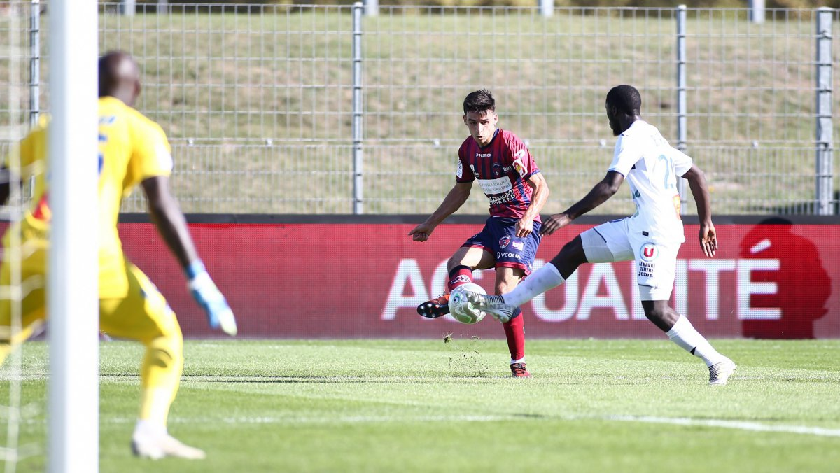 Ligue 2 : Le Clermont Foot 63 bat Le Havre 3 à 0
