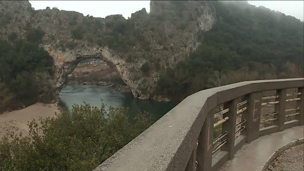 "Combe du Pont d'Arc : le point sur le chantier ""Grand site"""