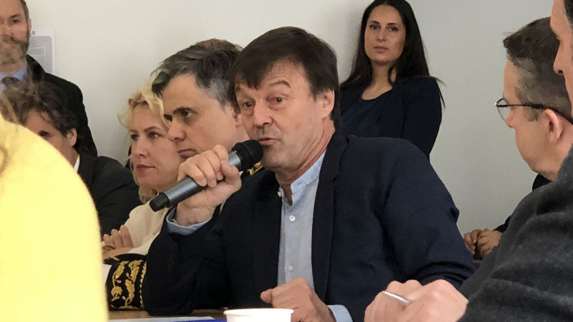 En visite à Grenoble, Nicolas Hulot loue le plan d'action contre la pollution