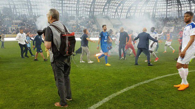Football Grenoble: des supporters attaquent des joueurs