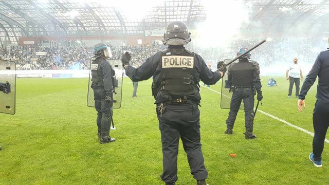 Football : sanctionné, le GF38 jouera son match de barrage à huis clos contre Bourg Peronnas