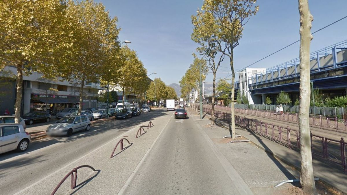 Échirolles : en possession de drogue, il tente d'échapper à la police en scooter... mais tombe au sol