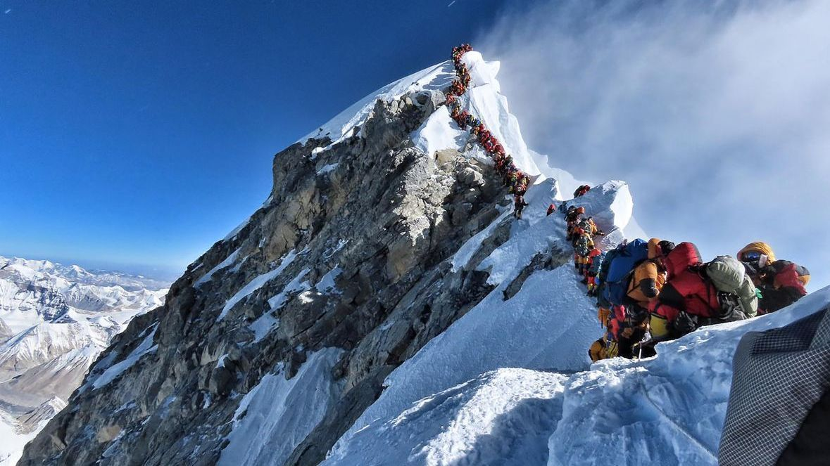 Embouteillage sur les pentes de l'Everest / © AFP PHOTO / @NIMSDAI PROJECT POSSIBLE""