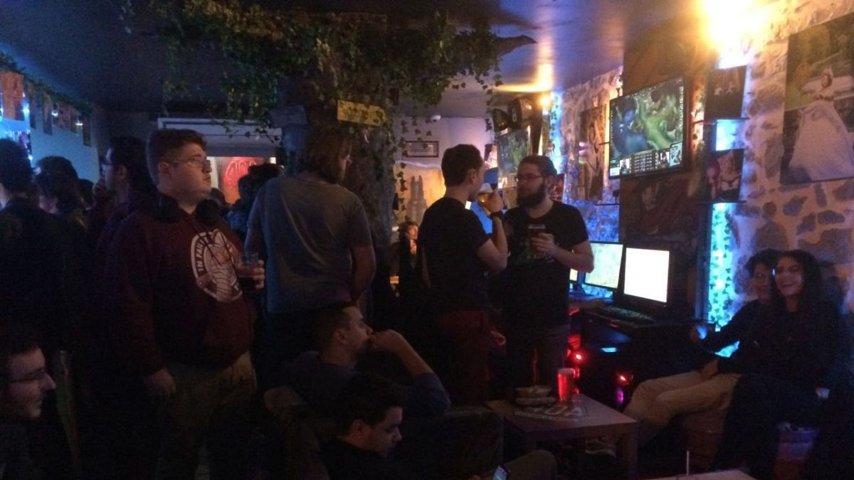"ESport : La finale du Championnat du monde de ""League of legends"" en direct d'un bar à Grenoble"
