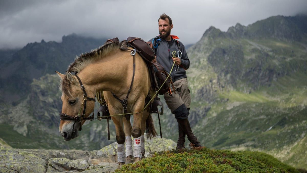Un documentaire retrace le voyage de 700 km à travers les Alpes de Cyril Robert et sa jument