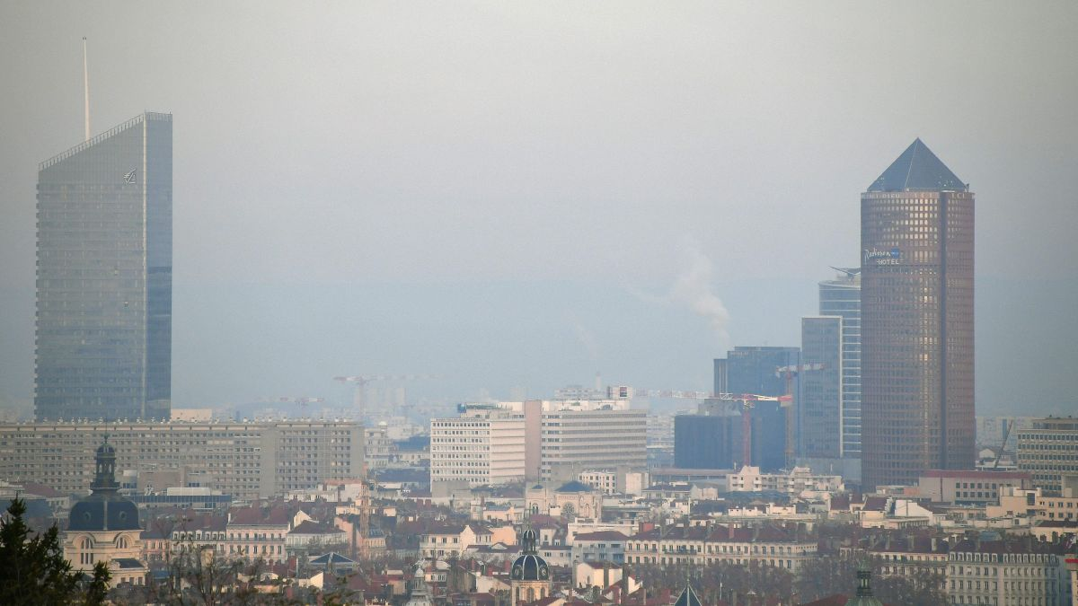 Lyon 04/12/2019 -Episode de pollution / © PHOTOPQR/LE PROGRES/Richard MOUILLAUD -