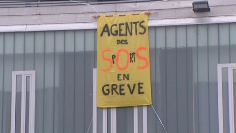 Besancon poursuite greve agents gymnases