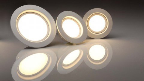 Pourquoi EDF va distribuer un million d'ampoules LED ?