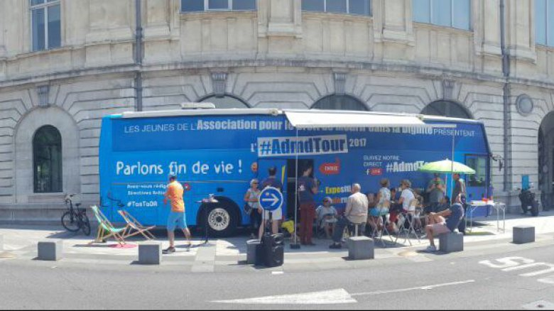 Le bus exposition de l'ADMD / © Source ADMD