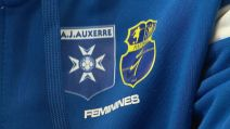 foot féminin - maillot AJ Auxerre