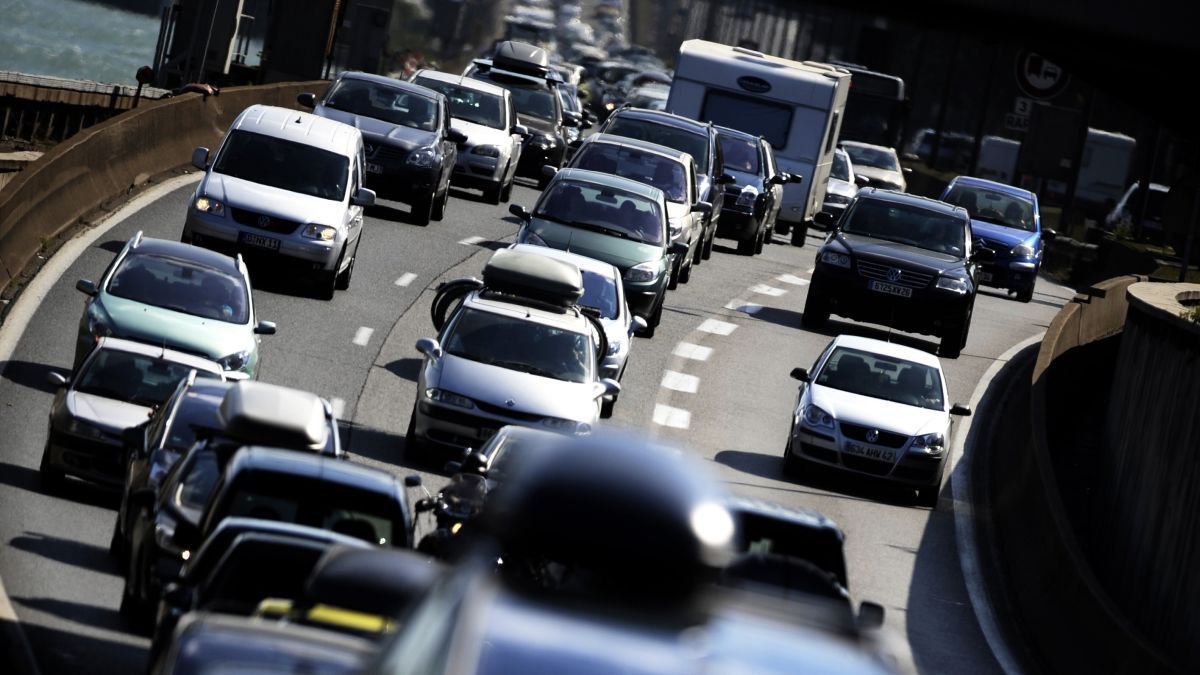 La circulation sera dense sur les routes ce week-end / © JEFF PACHOUD / AFP