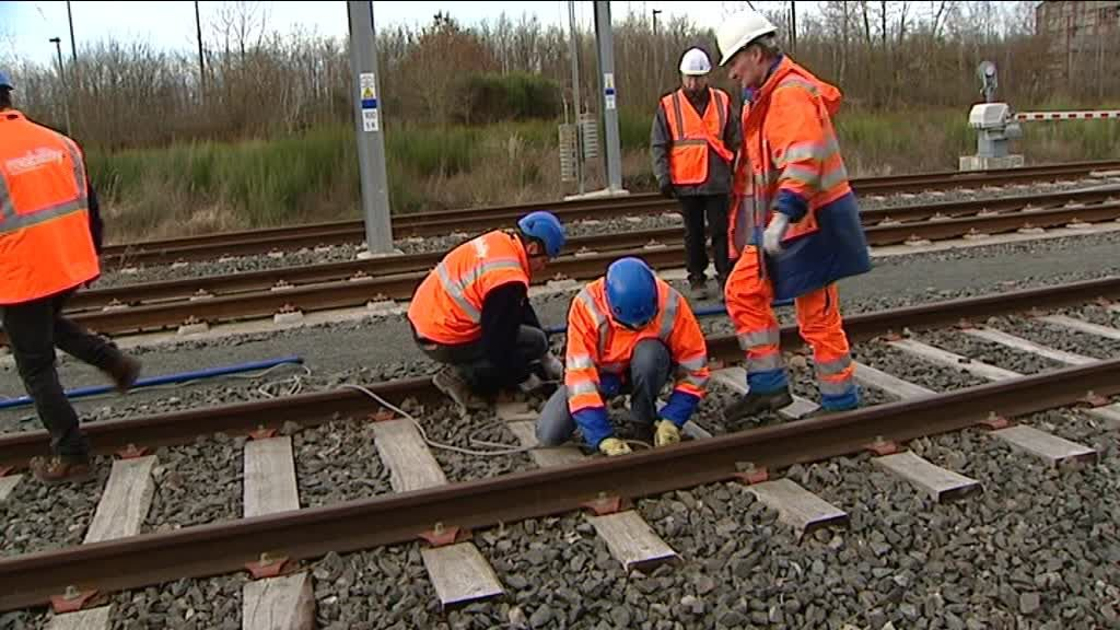 François Hollande à Mecateamcluster, plateforme de maintenance ferroviaire unique en France