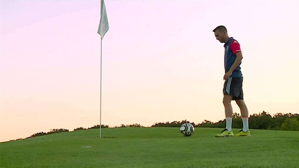 Sport : on a testé...le foot-golf !