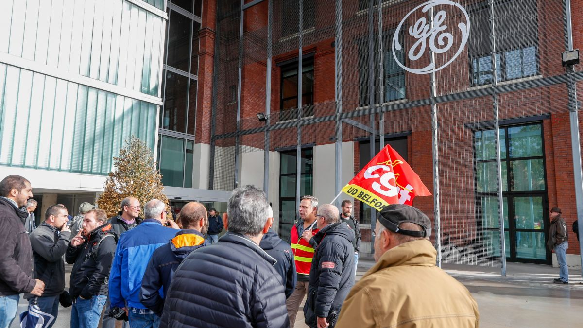 Blocage du site de General Electric de Belfort par l'intersyndicale. (Belfort 10 octobre 2019). / © Michael DESPREZ / Maxppp