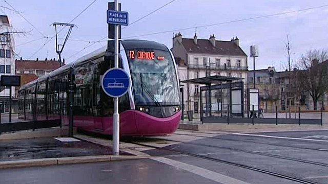 grand dijon nouvel accident avec le tramway france 3 bourgogne. Black Bedroom Furniture Sets. Home Design Ideas