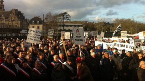 Forte mobilisation à Lannion contre le projet d'extraction de sable