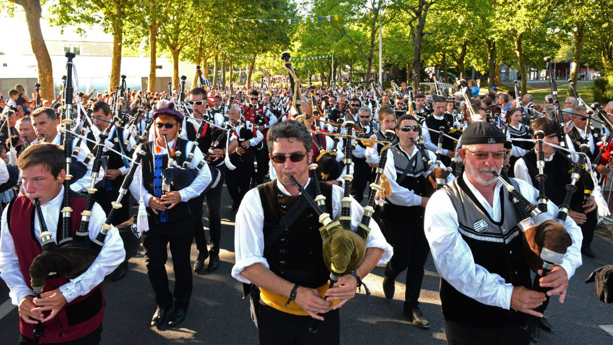 Festival Interceltique : revoir la grande parade des Nations Celtes