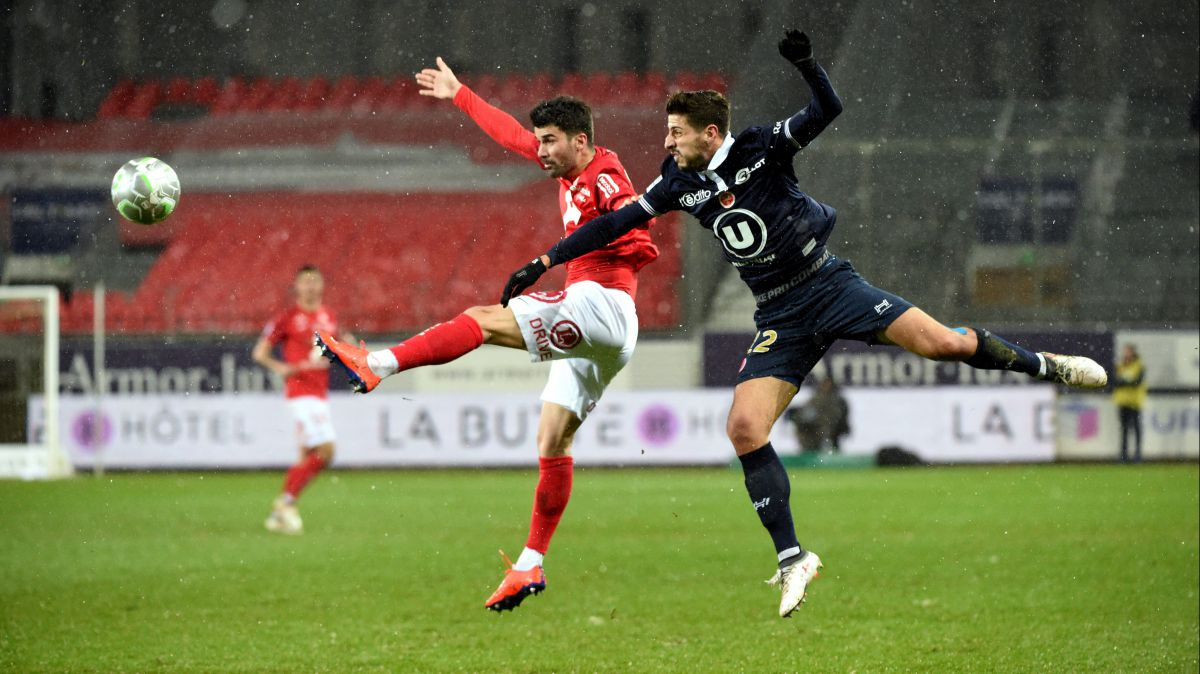 La 24ème journée de Ligue 2 a vu le match entre Brest et Reims / © PHOTOPQR/LE TELEGRAMME/MAXPPP