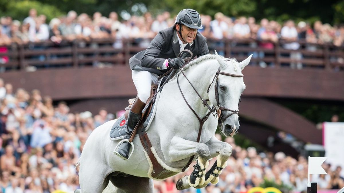 Un cavalier lors du Jumping International de Dinard / © E Knoll