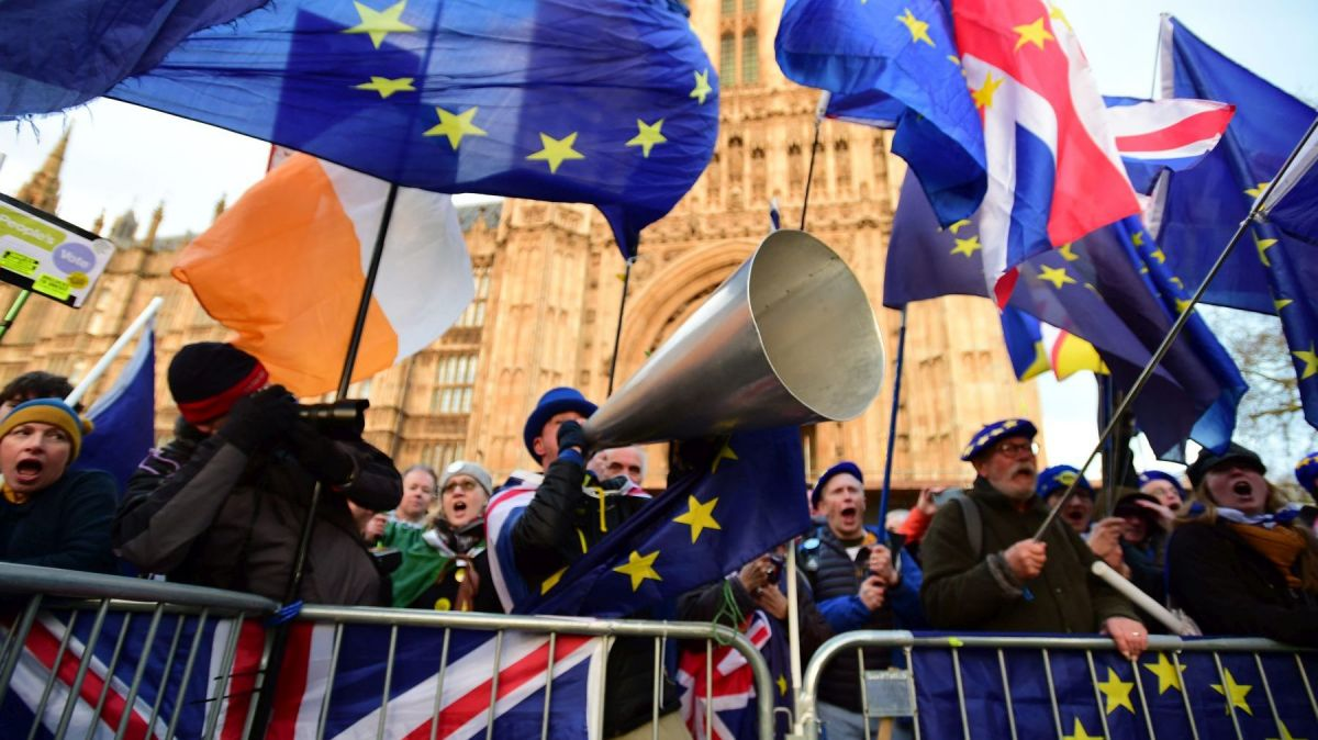 "Les supporters ""anti-Brexit"" au pied de Westminster à London. / © PRESS ASSOCIATION IMAGES/MAXPPP"