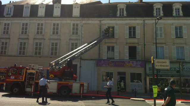 incendie dans une cr perie bourges france 3 centre val de loire. Black Bedroom Furniture Sets. Home Design Ideas
