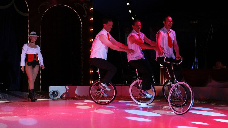 Acrobates monocycle - les Rech juniors / ©