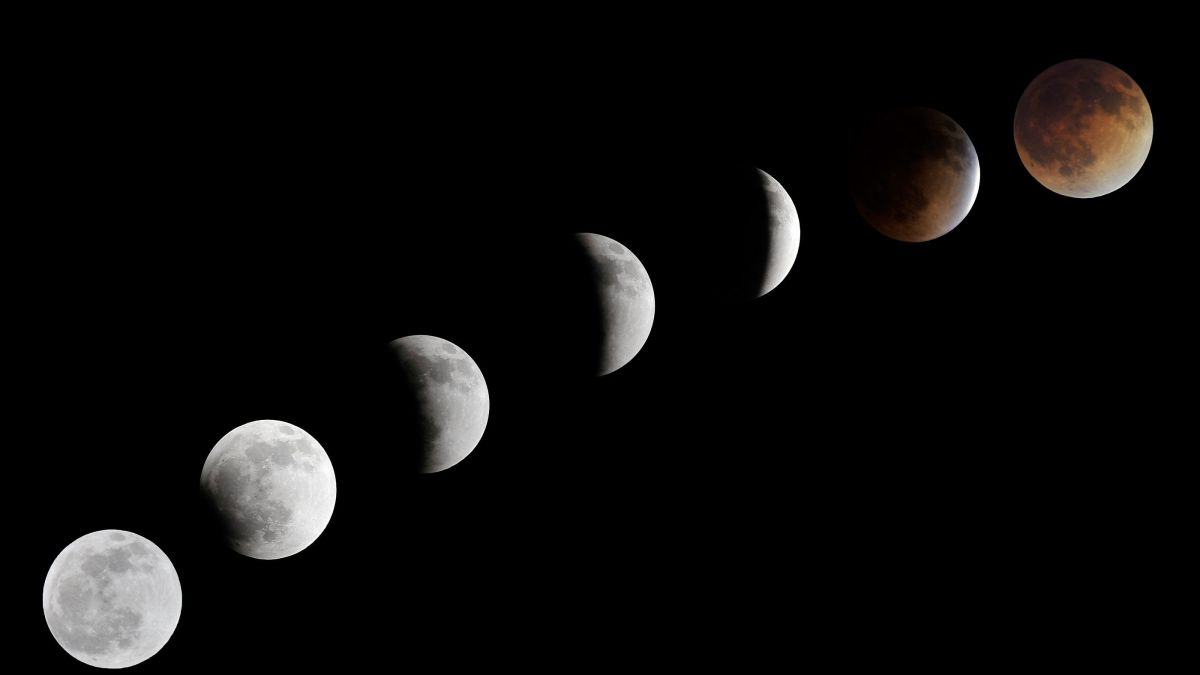 Archives, 15 Avril 2014. Eclipse lunaire à las Vegas, Nevada, USA / © max ppp - David Becker