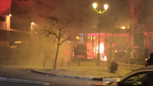 14/02/16 - Incidents d'après match à Reims : Des affontements ont éclaté entre forces de l'ordre et manifestants devant le commissariat de Bastia / © FTVIASTELLA