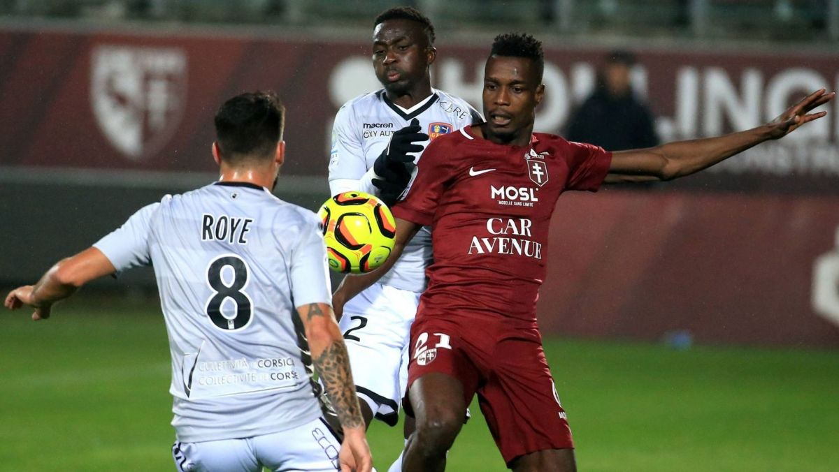 Ligue 2: le GFC Ajaccio s'incline chez le leader Metz