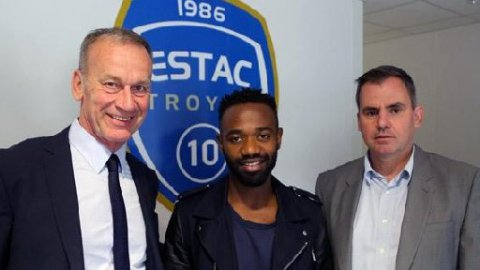 Football : Lossemy Karaboué signe à l'Estac