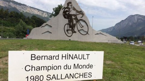 sculpture Bernard Hinault Sallanches 1