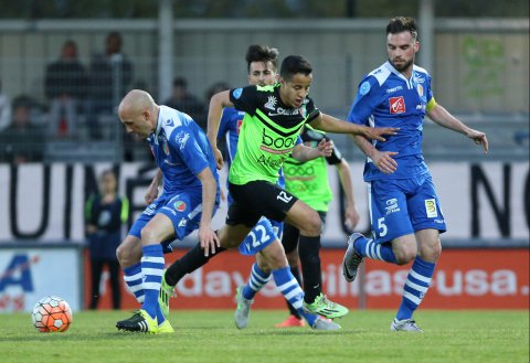 Football : Hicham Benkaid au Racing ?