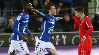Ligue 1 : Le Racing bat Rennes (2-1) et sort de la zone rouge