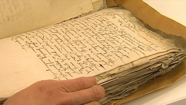 Le plus ancien document des archives départementales de Reims date de l'an 954 / © France 3 Champagne-Ardenne