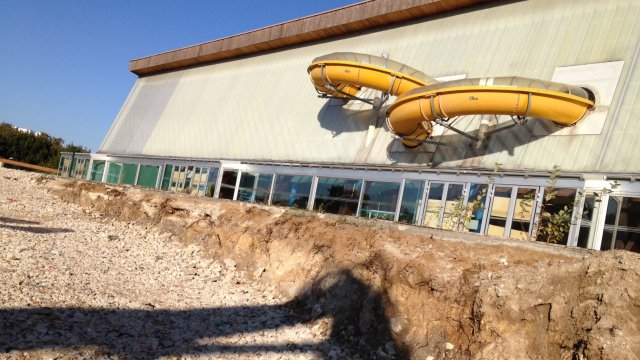 Le nautilud de reims en pleine d molition france 3 for Piscine de champagne