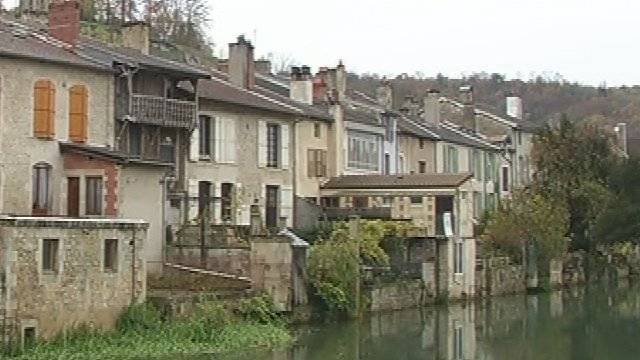 Joinville 52 labellis village tape france 3 for Joinville 52