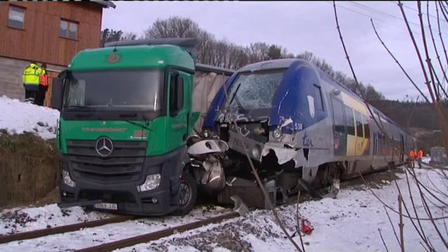 Accident train-camion à Docelles (88)