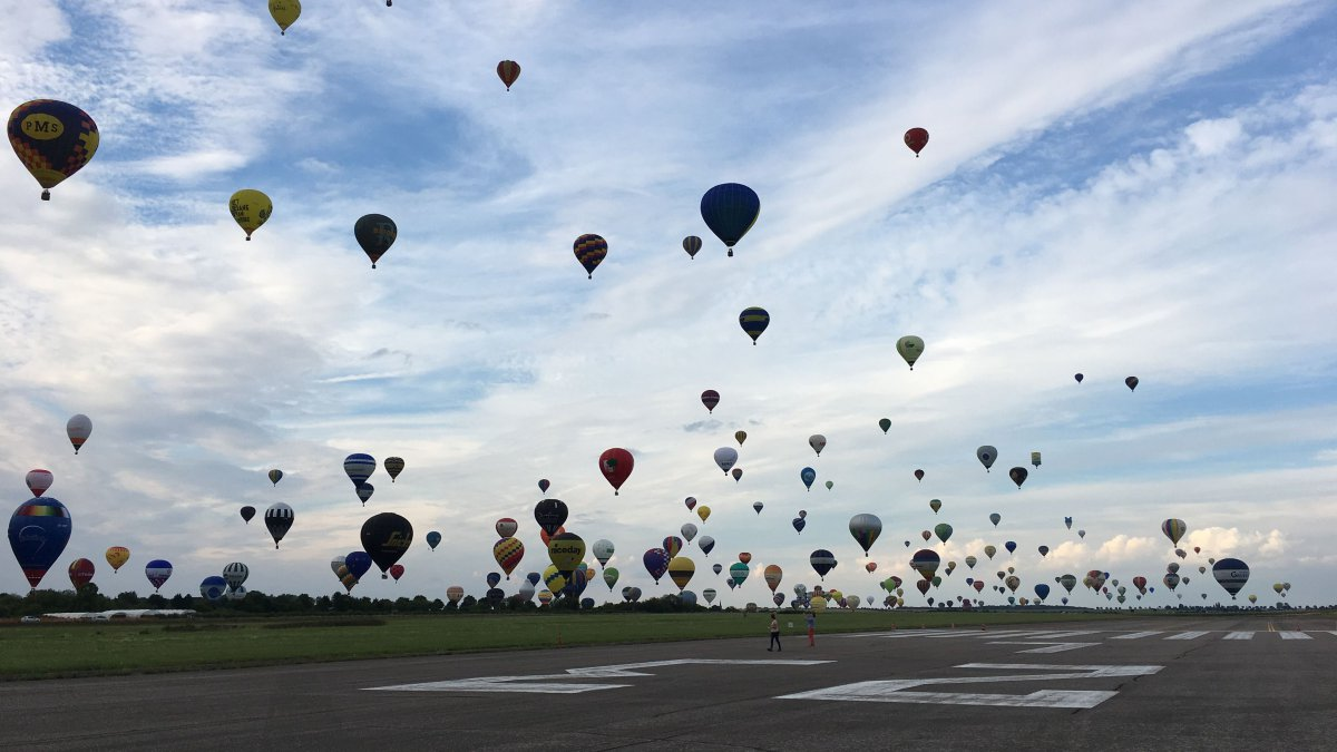 Envie d'un bol d'air ? Direction le Mondial Air Ballons à Chambley !