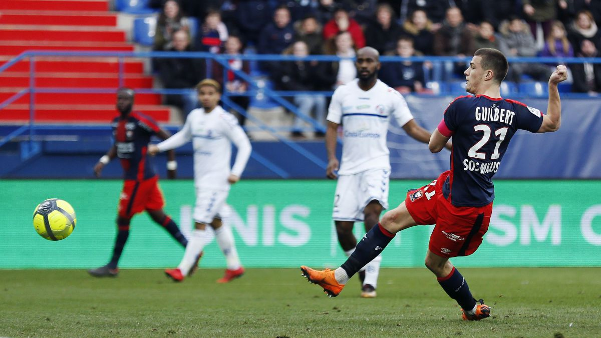 Foot: le Racing club de Strasbourg battu par Caen : 2-0