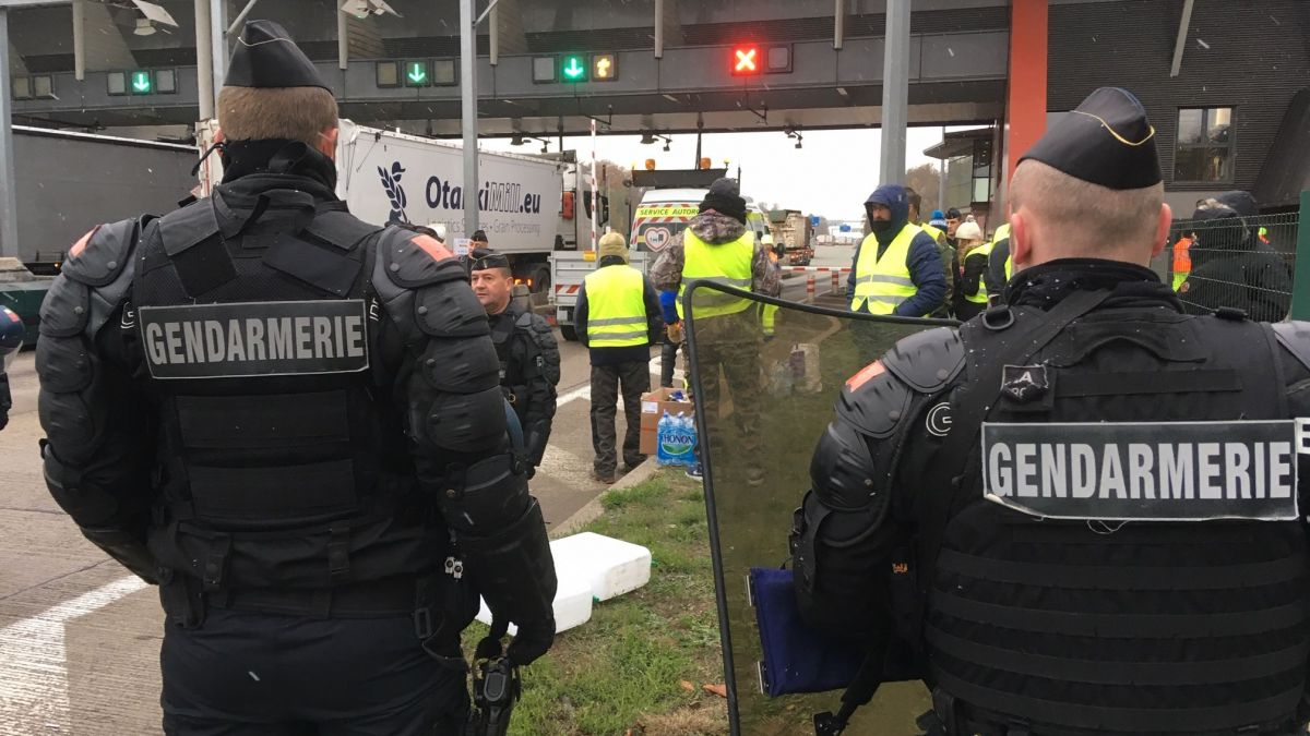 DIRECT - Gilets jaunes : mobilisations et blocages continuent en Alsace ce lundi